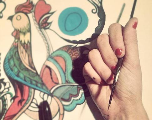 Bluzka z malowanym ręcznie wzorem koguta